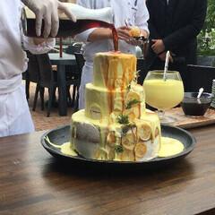 お洒落カフェ/ウェディングケーキ/はじめてフォト投稿 女子会でウェディングケーキ登場♡