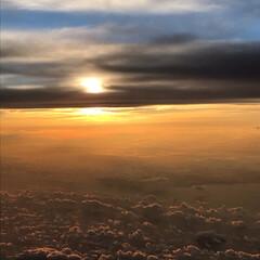 夕焼け/夕日/夕陽/富士山/雲/空/... 今年の夏の思い出… 飛行機内からの写真で…(5枚目)