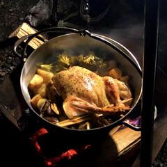 グルメ/鳥の丸焼き/キャンプ/秋/おでかけ 秋キャンプで作った鳥の丸焼き。