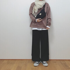マフラーコーデ/ニットパンツ/GU/冬/ファッション マフラーすると無敵だな。 GUのワイドリ…