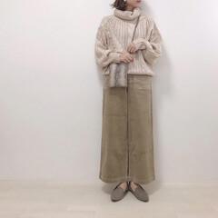 大人カジュアル/コーデュロイパンツ/ニット/タートルネック/ファッション 寒くなったらタートルネックが1番♡ ベー…