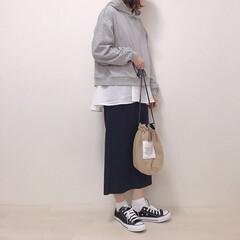 タイトスカート/パーカー/モノトーンコーデ/付け裾/ファッション フレア付け裾を使ったコーデ* こんな風に…