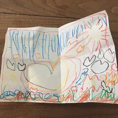 4歳/息子/お絵描き 私が熱で寝ていると息子が寝室まで来て、「…