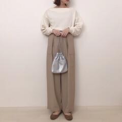 ボリューム袖/GU/ベージュコーデ/大人カジュアル/ファッション ポワン袖が可愛いトップスは前後2wayで…