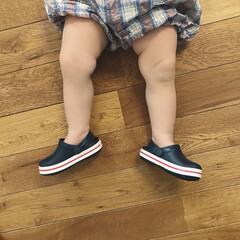 1歳4ヶ月/あんよ/むちむち/サンダル/クロックス/ファッション/... ムチムチあんよどーーーん。 ベビーサイズ…
