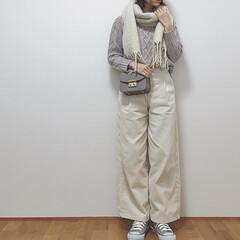 マフラー/ホワイトコーデ/ワントーンコーデ/ベーコン/コンバース/ファッション/... ホワイトコーデ♡ 最近ワントーンコーデに…