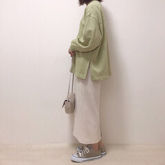 グリーン/ピスタチオカラー/タイトスカート/スウェット/GU/ファッション ピスタチオ×エクリュ 間違いない組み合わ…