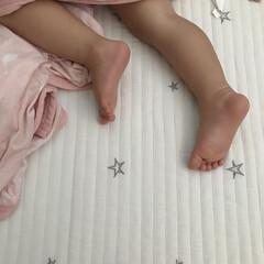 ねんね/娘/1歳6ヶ月/あんよ 末っ子ちゃんのあんよ👣 1歳半になったけ…