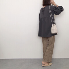 プリーツパンツ/あやらー/プチプラのあや/しまむら購入品/しまむら/ファッション 上下しまむらコーデ。 どちらもプチプラの…