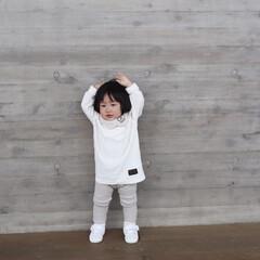ポーズ/1歳4ヶ月/娘/令和元年フォト投稿キャンペーン ポーズをとってる末っ子ちゃん。 カメラや…