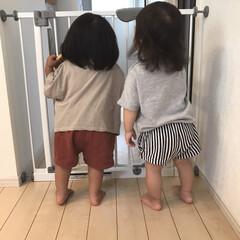 キッズコーデ/後ろ姿/1歳6ヶ月/娘/同級生 今日はお友達のおうちに遊びに行きました◡…
