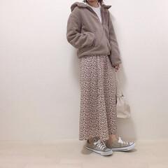 ワントーンコーデ/花柄スカート/モカ/ボアアウター/ファッション ブラウンのワントーンコーデ* ワントーン…