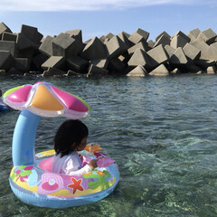 1歳6ヶ月/お盆/夏休み/海水浴/海 今日は御墓参りの後に海に行ってきました🏝…