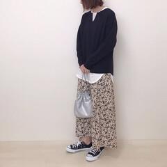 モノトーンコーデ/レイヤードコーデ/神戸レタス/花柄スカート/しまむら/ファッション 神戸レタスのトップスをsetで着てみまし…