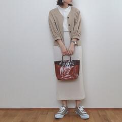 大人カジュアル/ベージュコーデ/GU新作/GU/ファッション 靴とバッグ以外GUです❁︎ Tシャツは新…