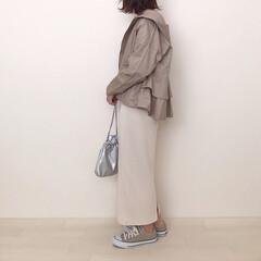 タイトスカート/ベージュコーデ/マウンテンパーカ/ファッション バックフリルが可愛いマウンテンパーカ♡ …