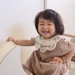キッズコーデ/1歳4ヶ月/娘/ニコニコ/笑顔/令和元年フォト投稿キャンペーン 最近よくする「ニィー♡」って笑顔。 ふざ…