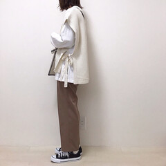 レイヤードコーデ/スラックス/しまむら/ニットベスト/ファッション ニットベスト×スラックスのトレンドコーデ…