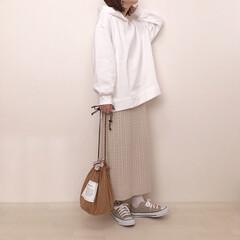 消えそうな色コーデ/ワントーンコーデ/スウェットコーデ/上下GU/GU/ファッション 上下GUコーデ* 新作のオーバーサイズス…