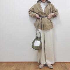 GU/大人カジュアル/ワントーンコーデ/ワイドパンツ/巾着バッグ/ファッション/... 今日のコーデ。 春コーデ考えるのが楽しい…
