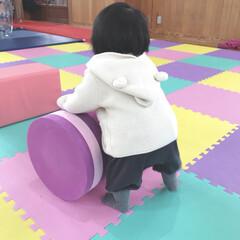 娘/1歳1ヶ月/赤ちゃんのいる生活/赤ちゃん/キッズスペース/おでかけ 昨日は雨だったので室内の遊び場へ。 赤ち…