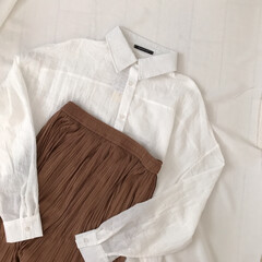 ファッション/プチプラ/ロングスカート/ランダムプリーツ/白シャツ/シアーシャツ/... aquagarageのシャツとスカート*…
