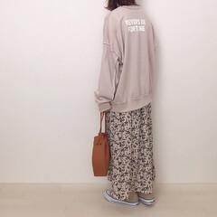 しまむら/花柄スカート/バックプリント/スウェットコーデ/ファッション お気に入りのcittaaのスウェット着回…