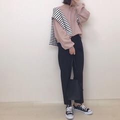 テーパードパンツ/スウェットコーデ/くすみピンク/くすみカラー/ファッション くすみピンク×ブラック* シンプルコーデ…