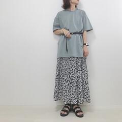 しまむら/花柄スカート/くすみグリーン/ユニクロ/ファッション ユニクロのコットンオーバーサイズチュニッ…