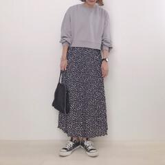 大人カジュアル/プリーツスカート/スウェット/ファッション クロップド丈のスウェット。 ここまで短い…