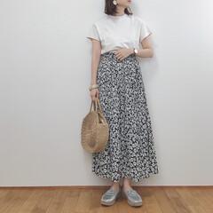 大人カジュアル/花柄スカート/しまむら/GU/GW/ファッション/... 今日のコーデ。 今日も暑かったので半袖で…