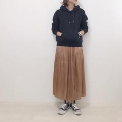 GU/プチプラのあや/しまむら/プリーツスカート/パーカーコーデ/ファッション パーカー×ロングスカート 昔から大好きな…