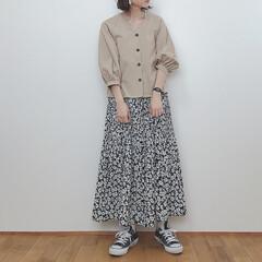 ガーリーコーデ/しまむら/花柄スカート/GU新作/GU/ファッション GU新作のフロントボタンブラウス。 前閉…