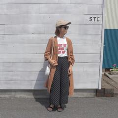 リネンガウン/GU/リネン/ママファッション/ファッション/ママコーデ/... リネンガウンにロゴタンクを 流行りのドッ…