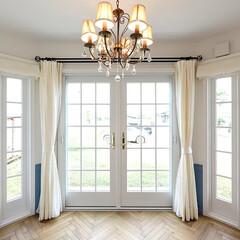 シャビーシックなフレンチスタイルのお家/へリーンボーンの床/フレンチドア/シャンデリア/セカンドリビング シャビーシックなフレンチスタイルのセカン…