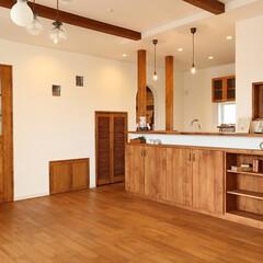 スイス漆喰カルクウォール/リボス/オークの床/デザインガラスの窓/ナチュラルな家/カフェスタイルの家/... ナチュラルなカフェスタイルのお家です。手…
