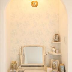 パウダーコーナー/シャビーシックな家/白い家/寝室の化粧コーナー シャビーシックなお家の寝室のパウダーコー…