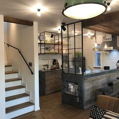 アイアンとデザインガラスのパネル/足場板の壁/メトロタイルの壁/モルテックスの壁/ブルックリンスタイルの家/インダストリアルの家/... イー・プランニング(ぶたさんの家)のつく…(1枚目)