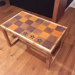 ニス/リビングテーブル/廃材/スター/ジャコビアン/カフェ風/... オリジナルテーブルを作りました。 下手く…