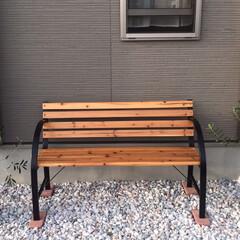 レンガ/ベンチ/オリーブの木 ベンチが届きました😆💕  タバコの為のベ…