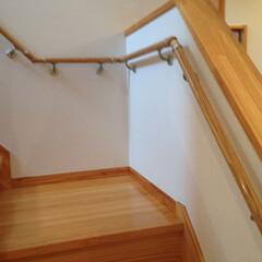 ホームインスペクション/インスペクション/住宅診断/検査 【階段の調査風景】適正な勾配で施工されて…