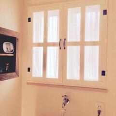 洗面所インテリア/窓枠DIY/窓枠/2018/フォロー大歓迎/DIY 洗面所の窓に、ホワイトの窓枠を作りました…(1枚目)