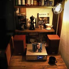 jazz/ノラジョーンズ/木の家づくり/宇都宮/アンティーク風/カフェ風インテリア/... アンティーク風ランプのほんのりした灯り💡…