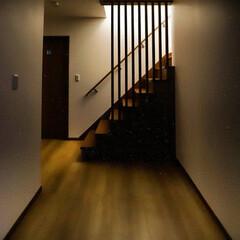 工務店で家を建てる/工務店がつくる家/木の家/木の家づくり/宇都宮/格子手すり/... オシャレな格子 玄関を入ると、正面にあり…