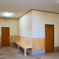 阿部興業株式会社/栃木県/木の香り/薪ストーブ/木の休憩所 取引先の社員さんの休憩施設です。 木を使…(3枚目)