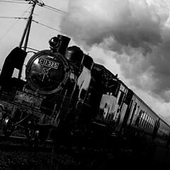 レコード/感傷旅行/加藤剛/蒸気機関車 渋いレコードです。 俳優の加藤剛さんのナ…(3枚目)