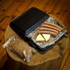 宇都宮/木の家/栃木県/グリラー/ウィンナー/チーズ/... 薪ストーブで燻製を作りました🔥 グリラー…