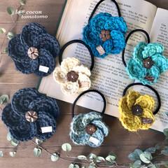 ナチュラルテイスト/手作りブローチ/手作りアクセサリー/手作り雑貨/かぎ針編み/編み物大好き/... 麻紐でお花モチーフのヘアゴムやブローチを…