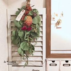 花のある暮らし/ディスプレイ/下駄箱の上/ナチュラルテイスト/手作り雑貨/ミラーDIY/... 玄関にスワッグ飾りました♪ お正月には水…(2枚目)