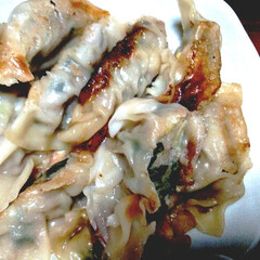 夕飯のおかず/餃子/餃子の皮/暮らし/うちの定番料理/地震/... いつも有難うございます! 今日は餃子作り…
